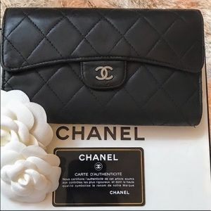🍒 CHANEL Quilted Calfskin  Flap Wallet/ Clutch
